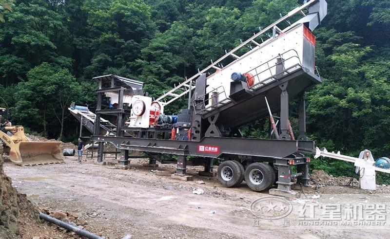 移动式时产200吨人工砂石设备现场