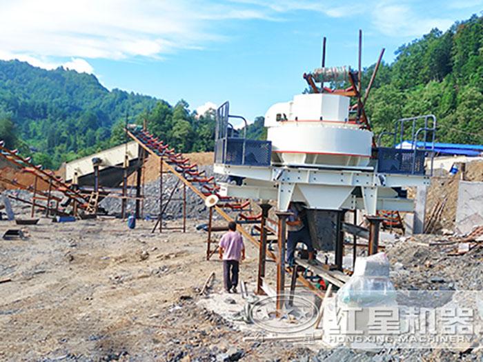 福建花岗岩打砂生产线正在安装中