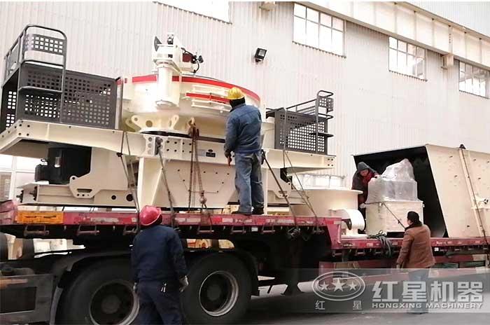 客户定制的制砂机正准备发货中