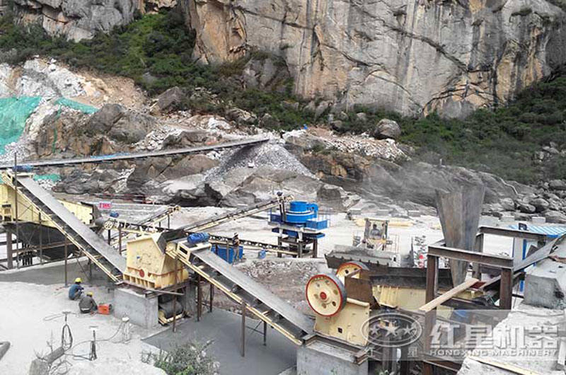 福建石灰石破碎生产线现场