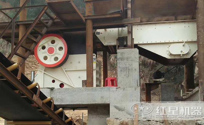 石灰石破碎加工设备——颚式破碎机
