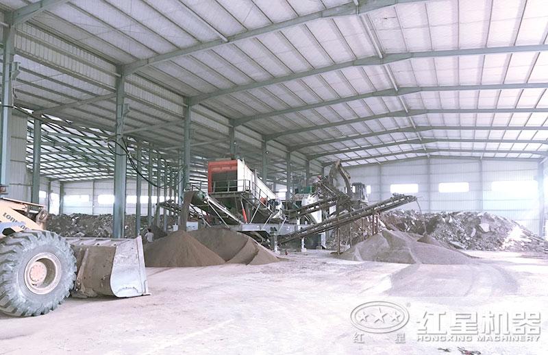 移动制砂机生产瓜米石制沙现场