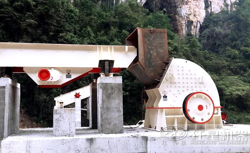 锤式石头破碎机安装现场