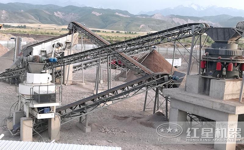 时产300吨的破碎制砂生产线中的冲击式破碎机以及圆锥式破碎机