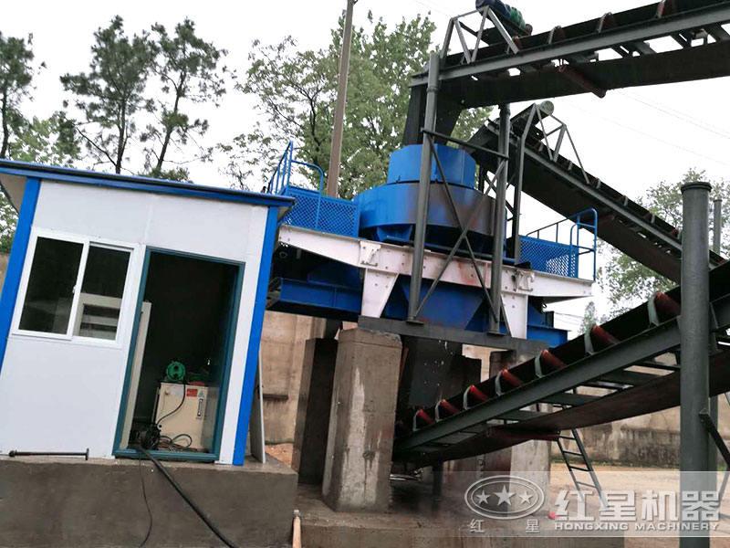 大型环保制砂生产线设备外置喷淋装置