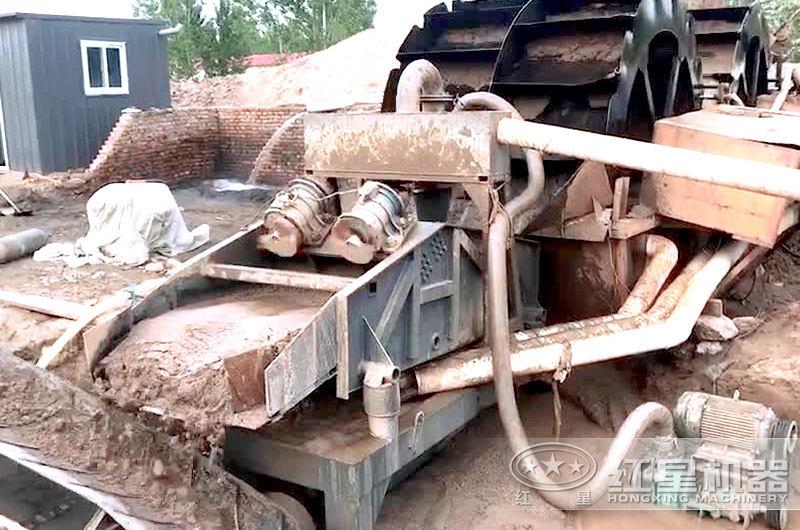 细沙回收机作业现场