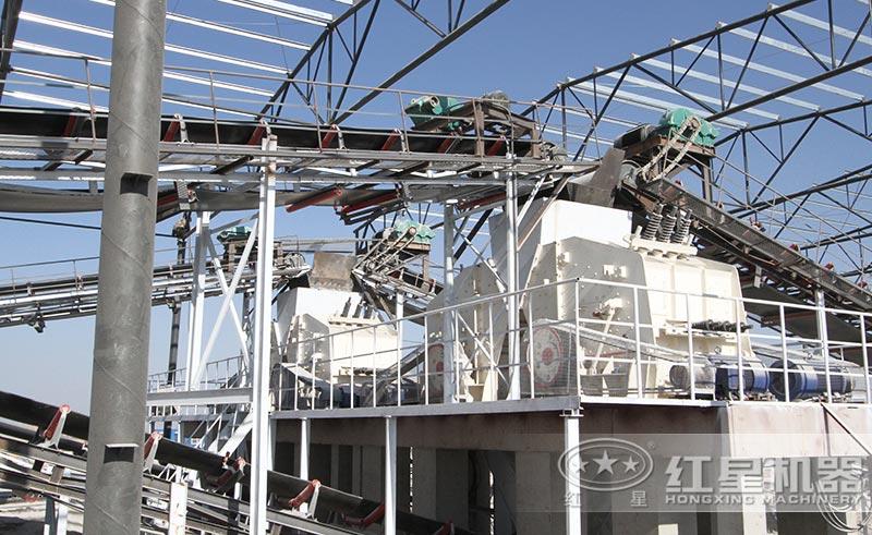 多台反击破组成的时产200吨人工砂石生产线