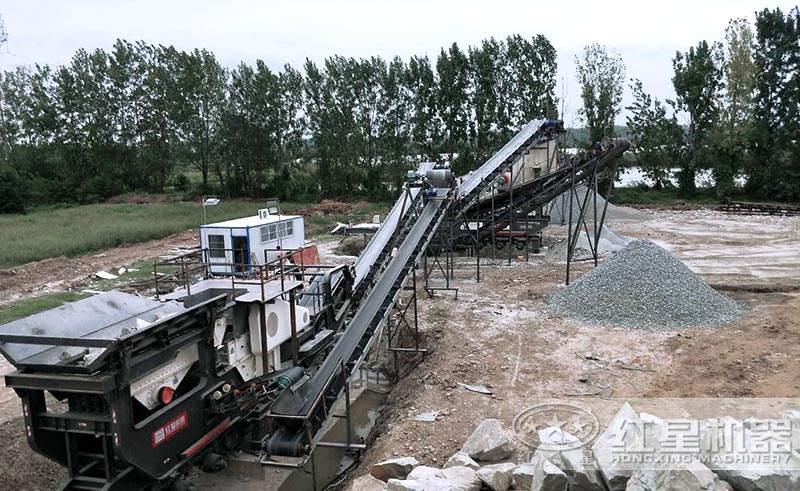 两台移动破组成的时产200吨的人工砂石生产线