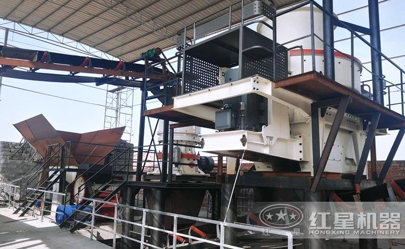 鹅卵石制砂机械设备现场安装中