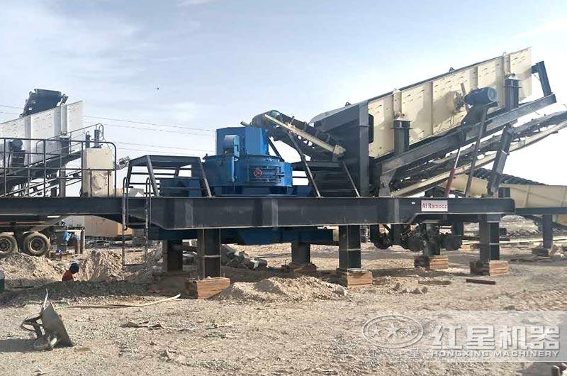 汽车型移动制砂机生产现场