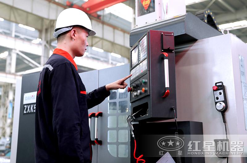 红星机器通过智能数控操作,质量可靠