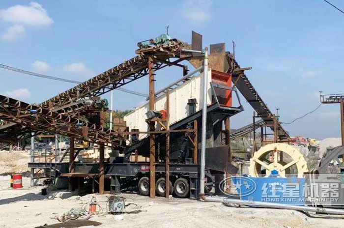 移动制砂碎石一体机生产现场