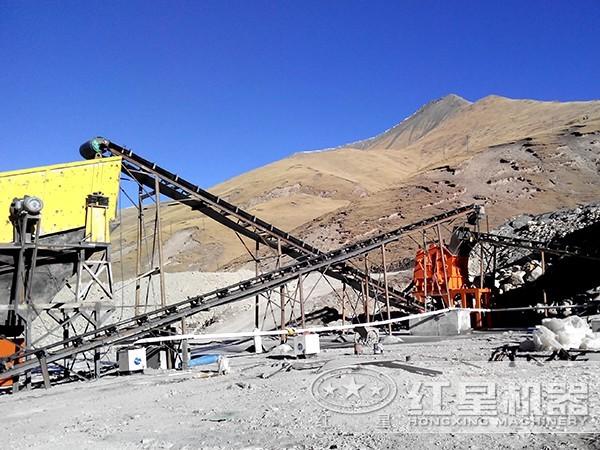 砂石厂工作现场