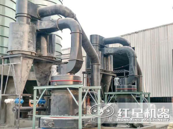 碳酸钙雷蒙磨粉机现场图