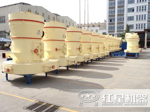 厂区排列整齐的5R立式磨粉机