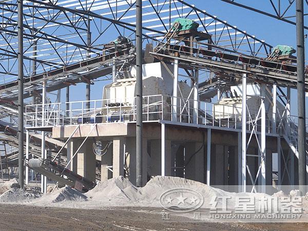 砂石厂600t/h石头破碎机现场作业图