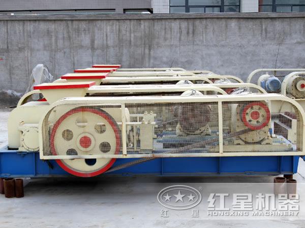 5--110t/h白云石辊式粉碎机