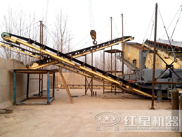 陕西商洛某环保砂石料厂引进红星日产2000吨汽车式流动粉碎