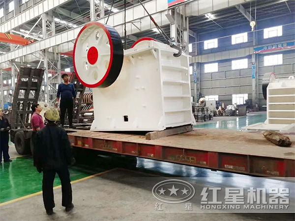 时产30吨400*600石头破碎机发货图
