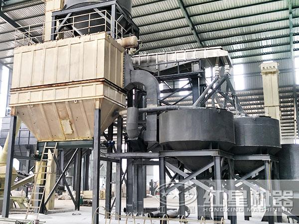 钙石磨粉机作业现场