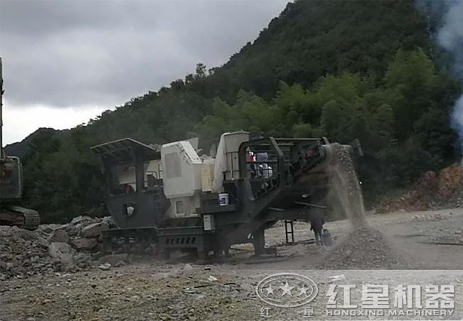 石灰石移动式破碎机