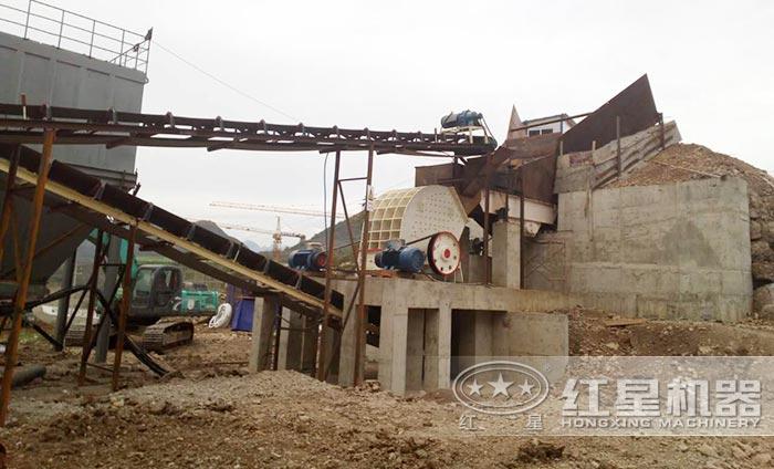 时产60吨锤式破碎机生产线现场
