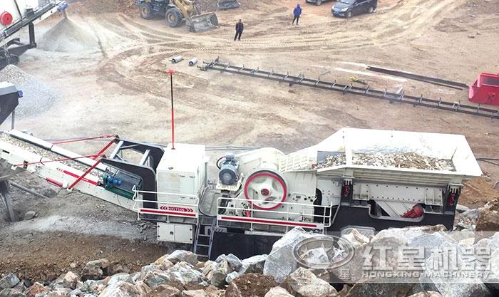 搭载颚式破碎机的履带石灰石移动破碎机