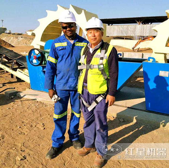 赞比亚利文斯敦大型洗砂机运行现场工作人员