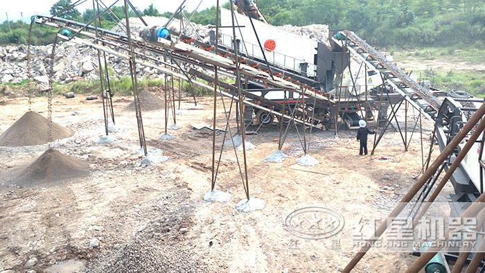 移动砂石料生产现场