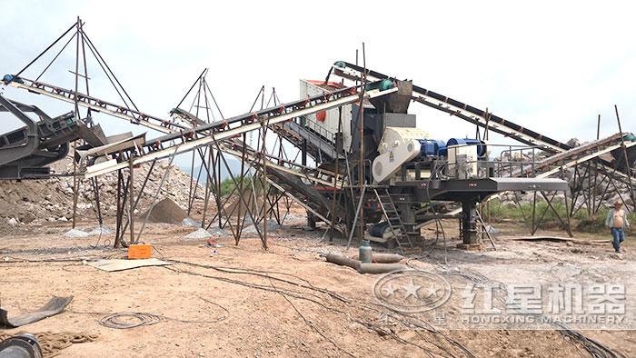 轮胎移动式砂石粉碎机施工现场