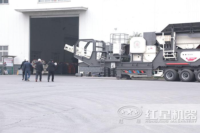 红星机器移动式砂石粉碎机大厂家