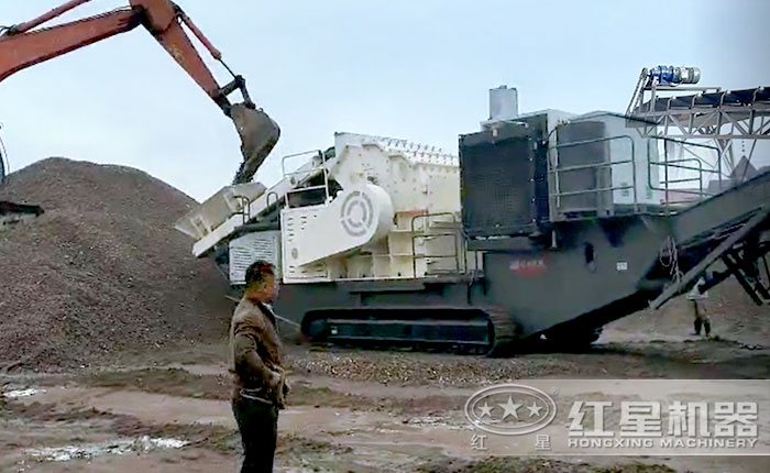 搭载细碎机的履带式可移动石子破碎机