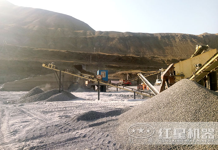 大型机制砂作业现场