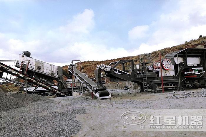 移动砂石料生产线现场