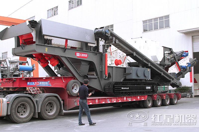 全新小型车载移动破碎机发货现场