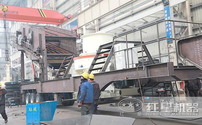 移动石料整形机车间生产中