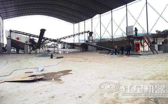 固定安装作业的日产1500方沙石厂
