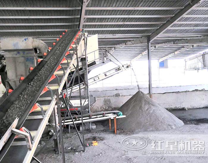 日产3000吨移动制沙现场