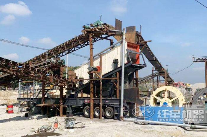 一体式风化石制砂机械生产现场