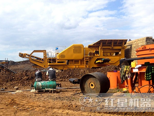 建筑垃圾碎石机作业现场