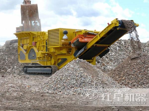 建筑垃圾碎石机工作现场